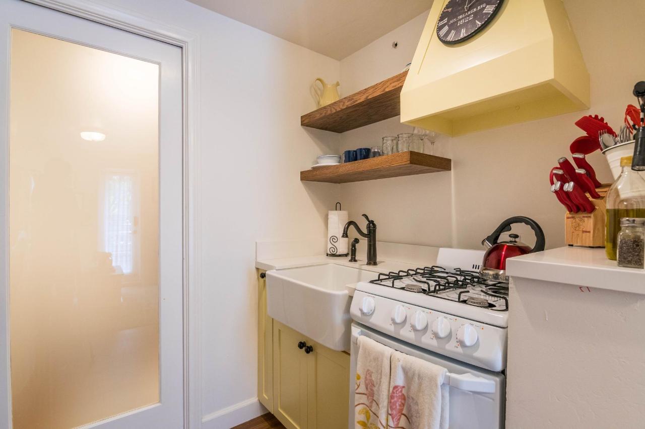 Le Petite Port Kitchen.jpg