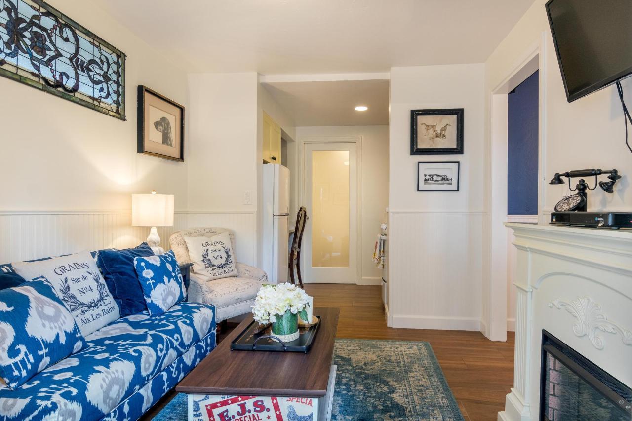 Le Petite Port Living Room 2.jpg
