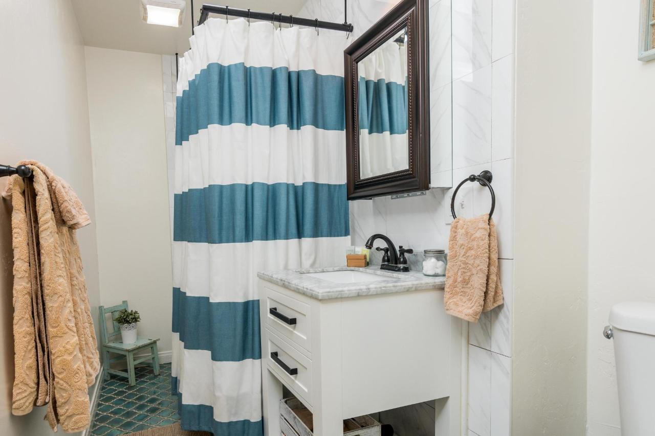 Prospect Cove Bathroom 2.jpg