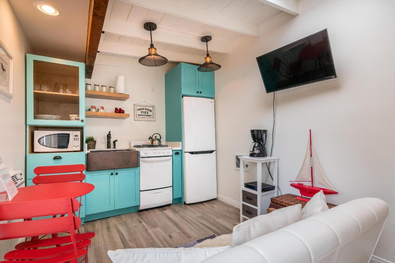 Prospect Cove Living Room 1.jpg