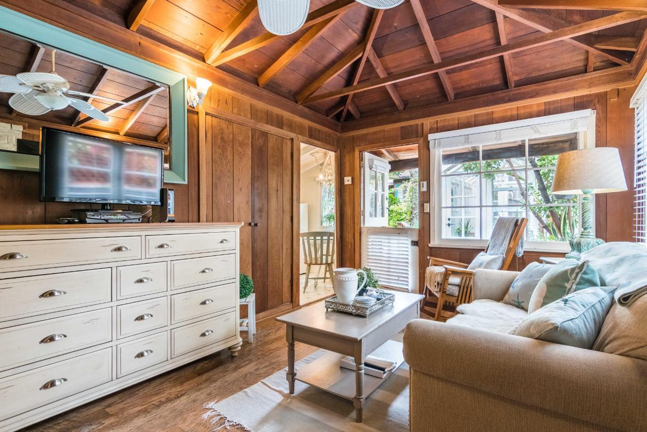 Sea Gate Living Room 2.jpg