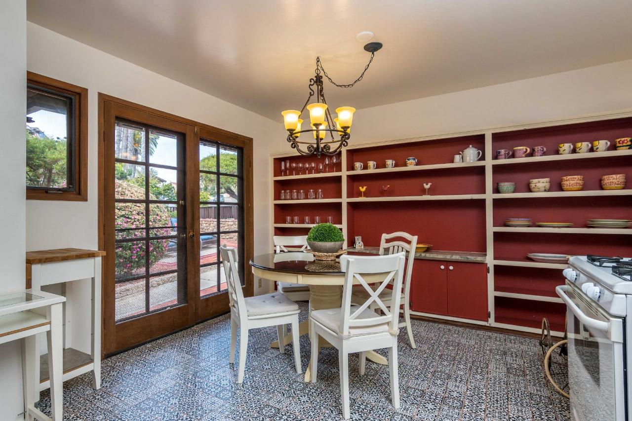 La Jolla Haven Kitchen 2.jpg