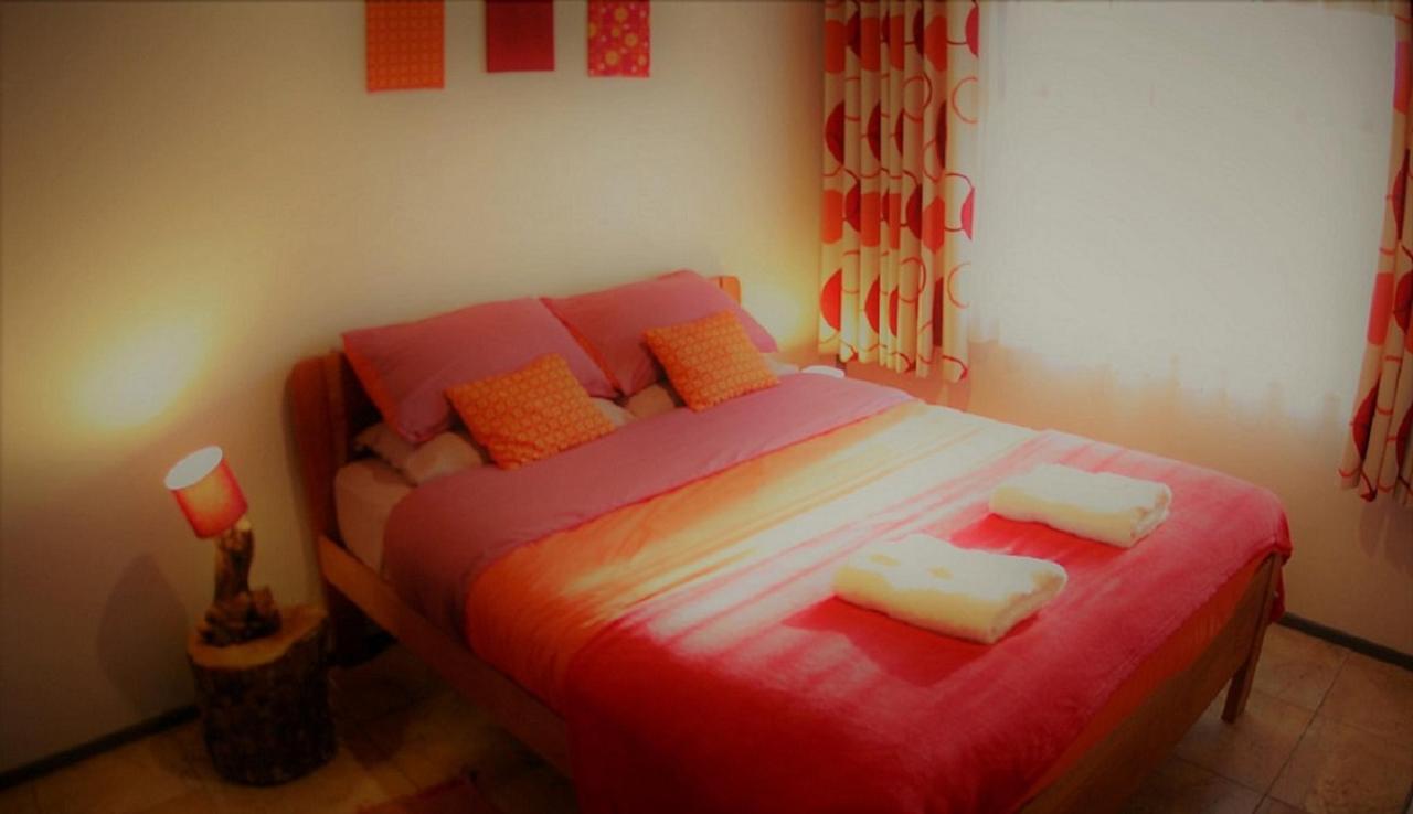 cabin 1 bedroom.jpg