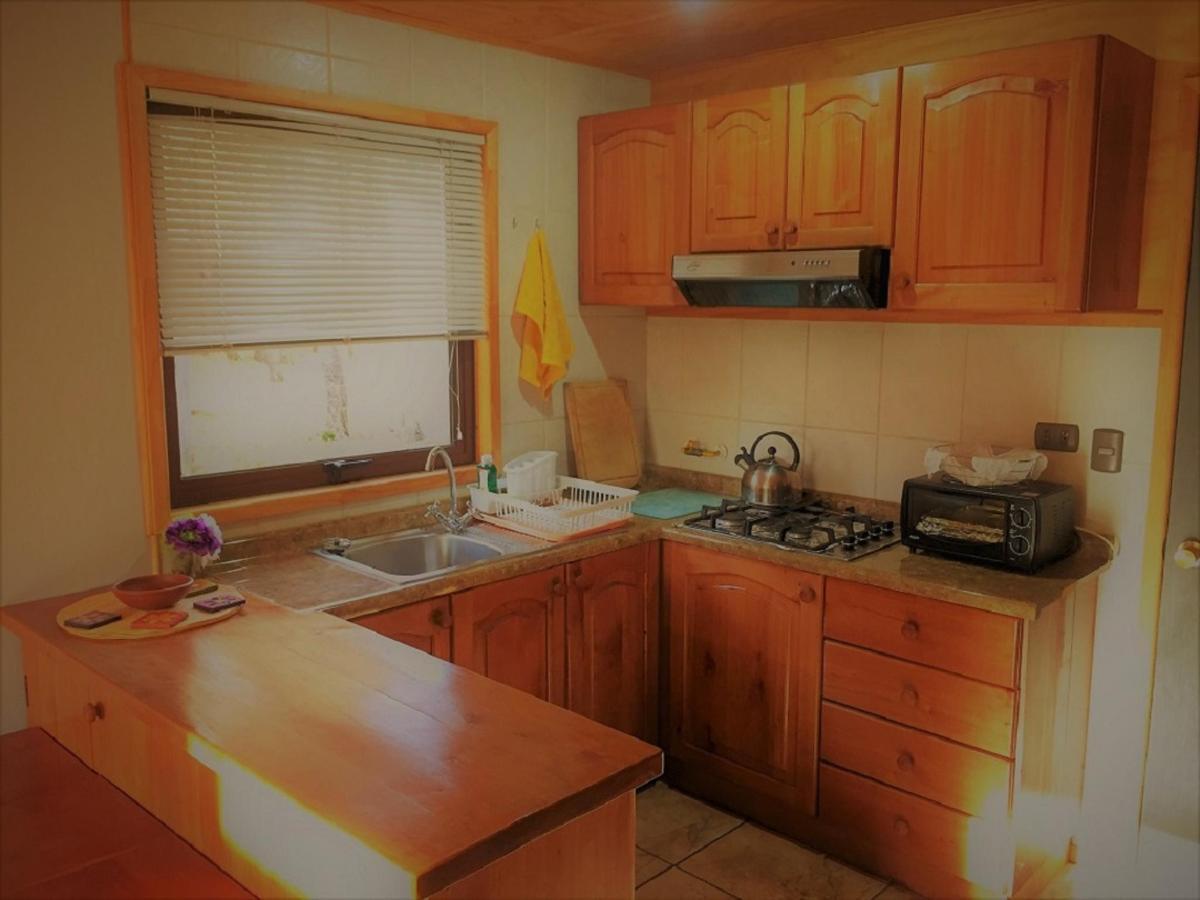 cabin 1 kitchen a.jpg