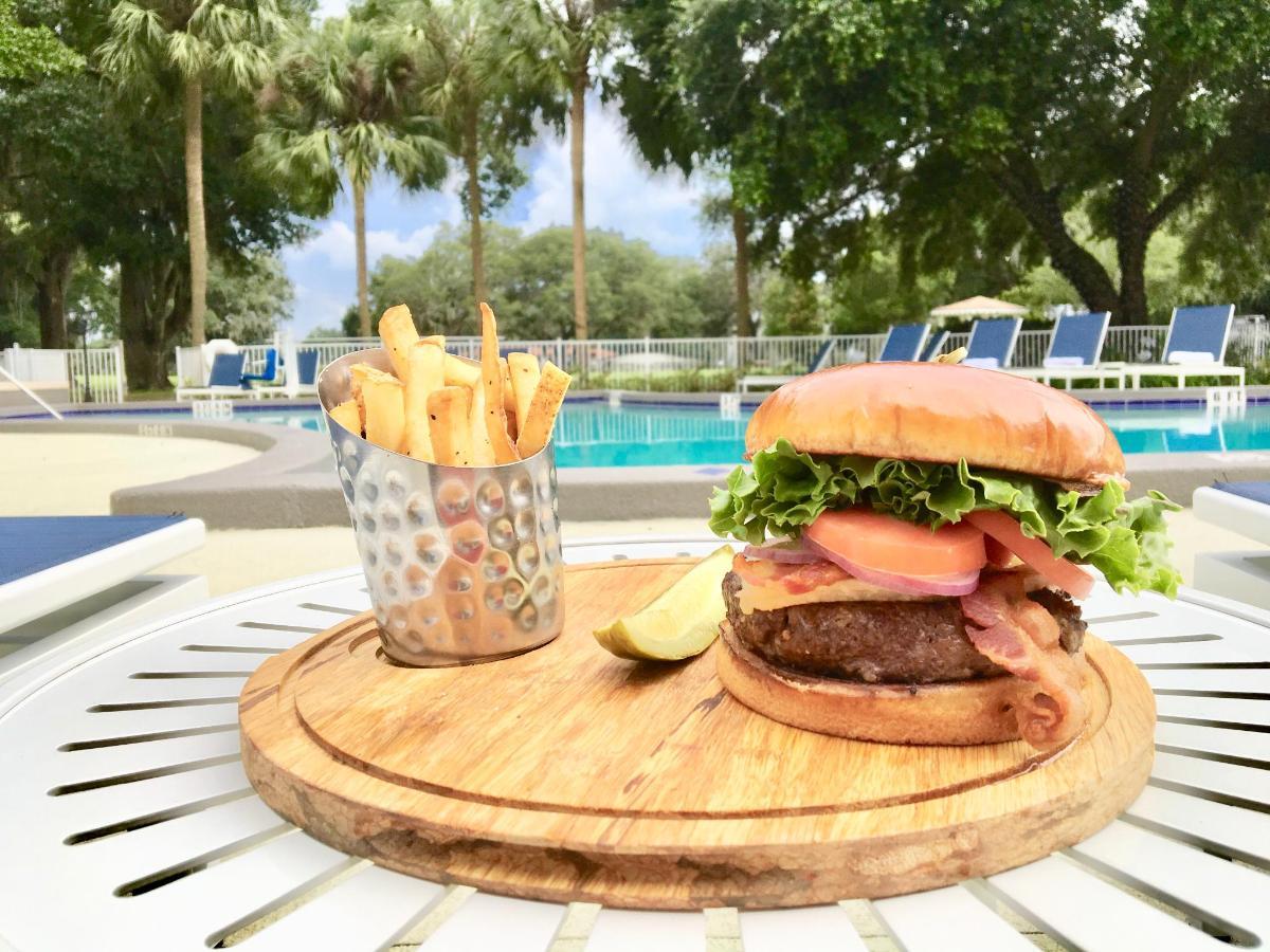 hilton burger and beer 098.JPG