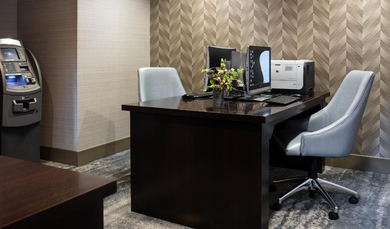 Comfort Inn business center Revere.jpg