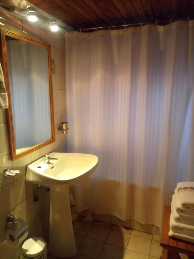 Baño 1er piso Cabaña H.jpeg