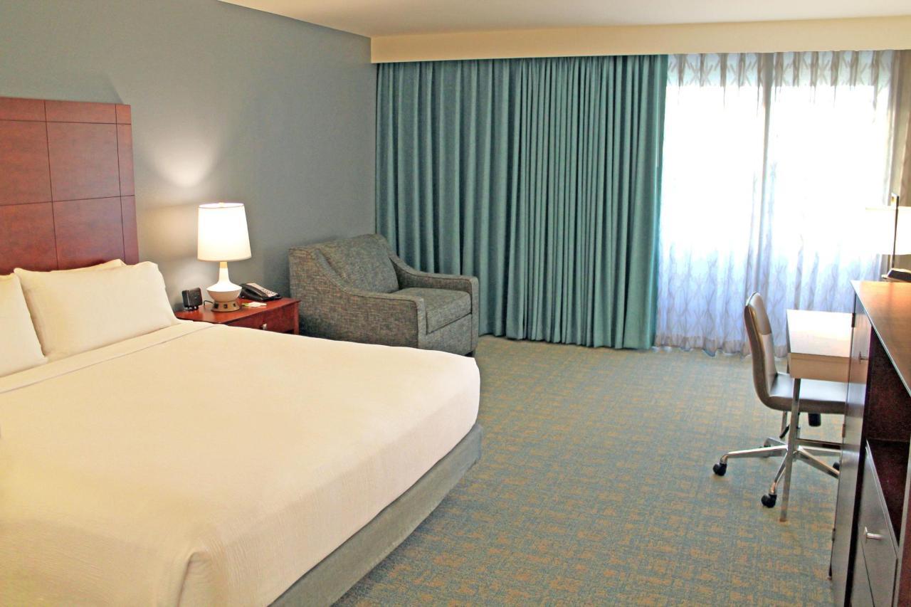 King Balcony Room.jpg