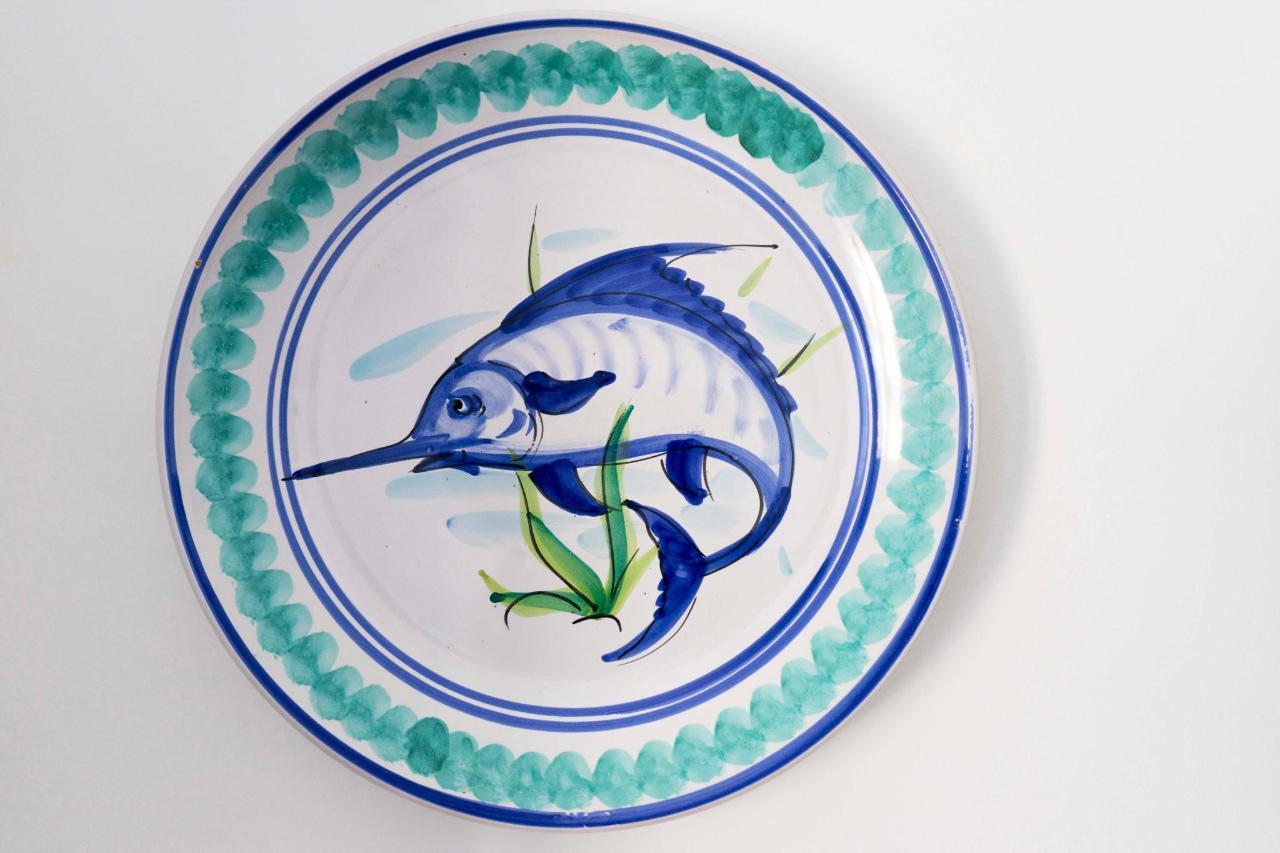 piatto pesce spada monolocale con vista mare.jpg