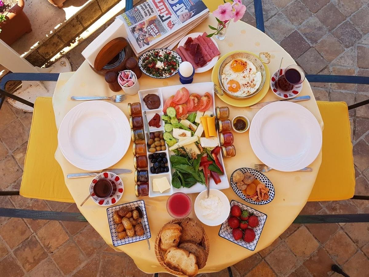 AB_Breakfast.jpg