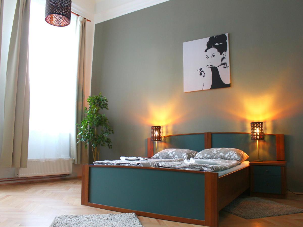 2_bed_gallery2.jpg