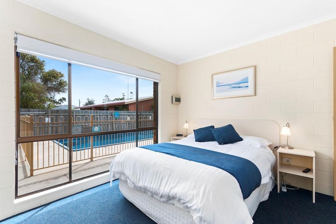 2018 2bedroom queen bed reduced size.jpg