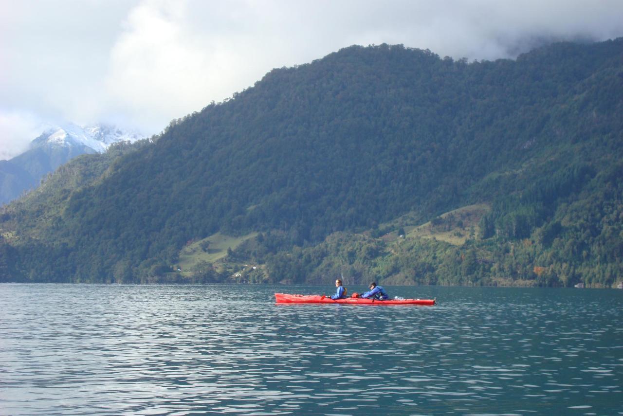 Kayak TLS 2.JPG