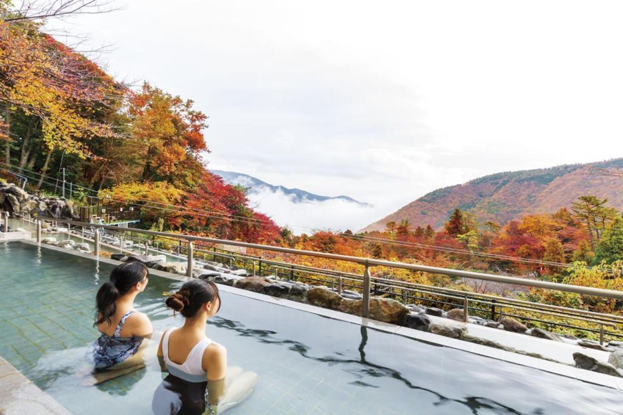 「ユネッサンの絶景露天風呂。秋は紅葉を眺めながら」 (2).jpg