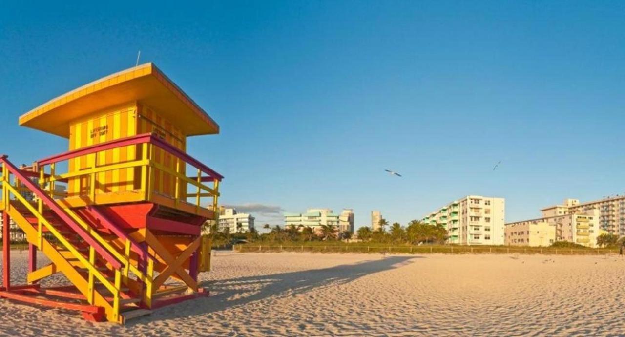 South Beach Life Guard Stand.jpg