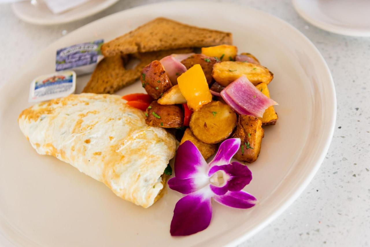 White Omelette Breakfast at Majestic Hotel South Beach.jpg