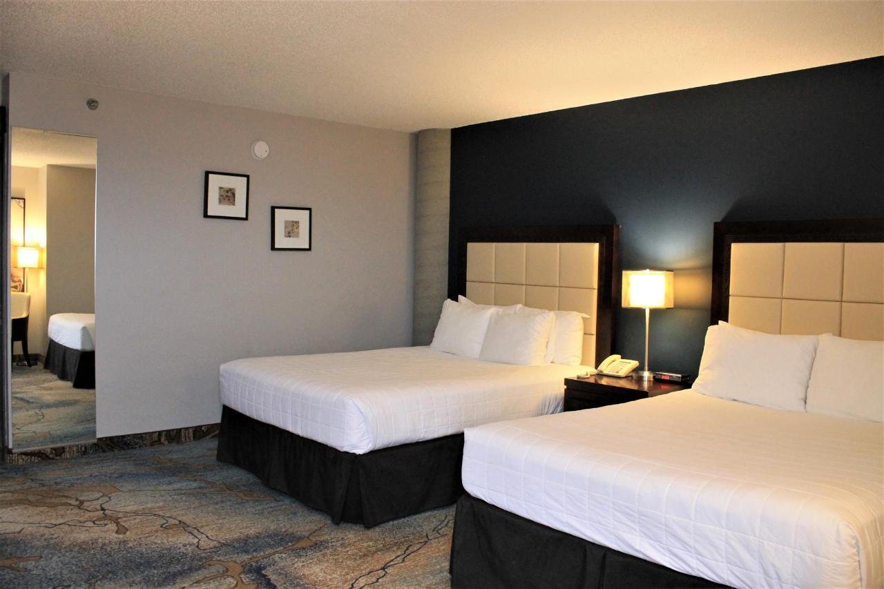 Hotel Plaza Valleyfield - Standard 2 lits - vue 2.JPG
