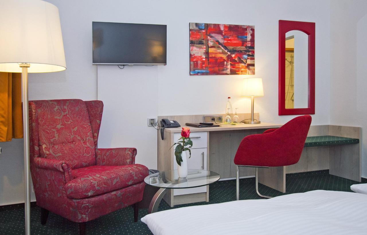 hotelschaper013 copy.jpg