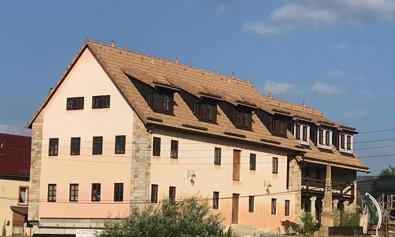Rittergut Leppersdorf Kemenatenhaus.jpg
