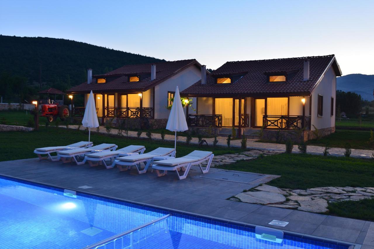 tefenni-villas-nightshot.JPG