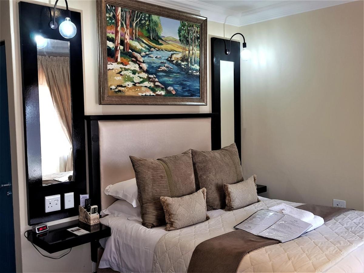 Superior Room 4.jpg