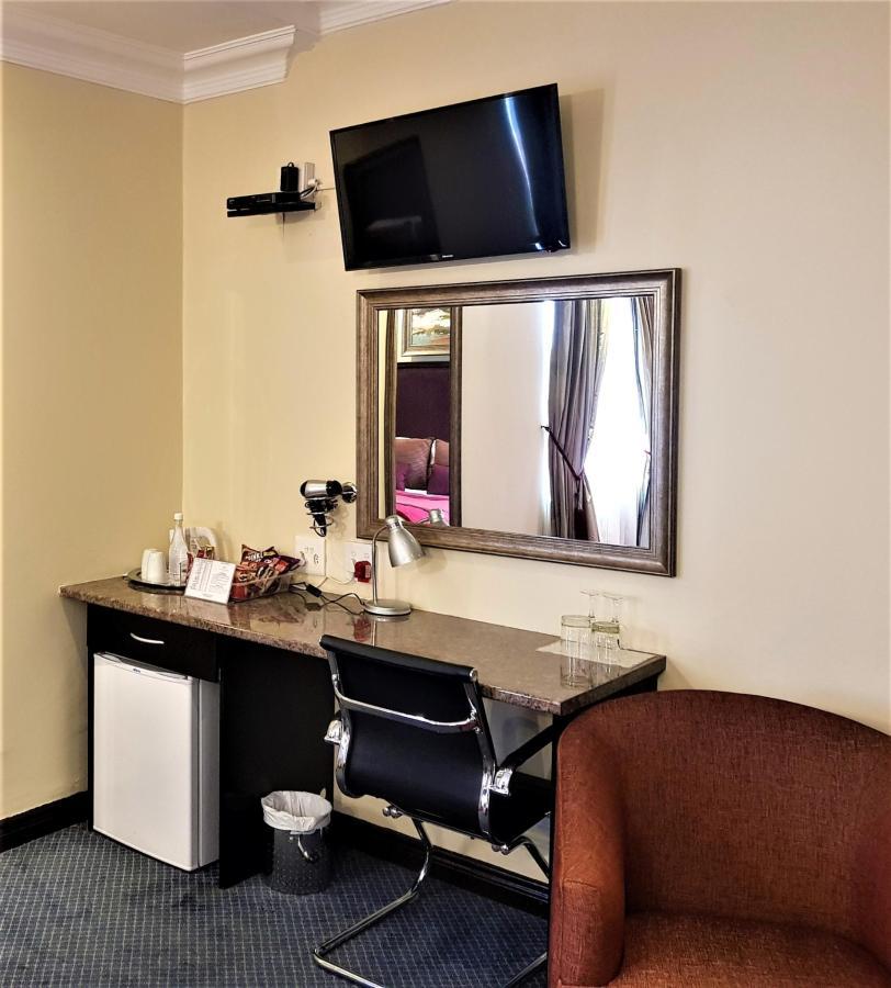 Superior Room 5 (2).jpg