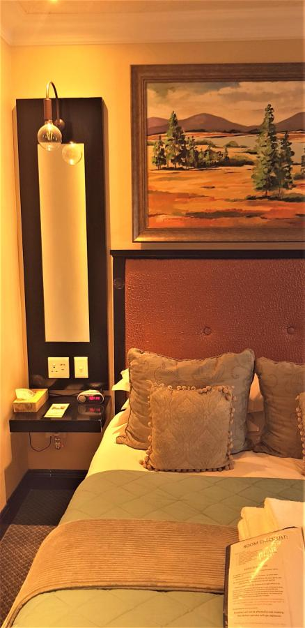 Luxury Room 8 at Constantia Manor Guesthouse.jpg