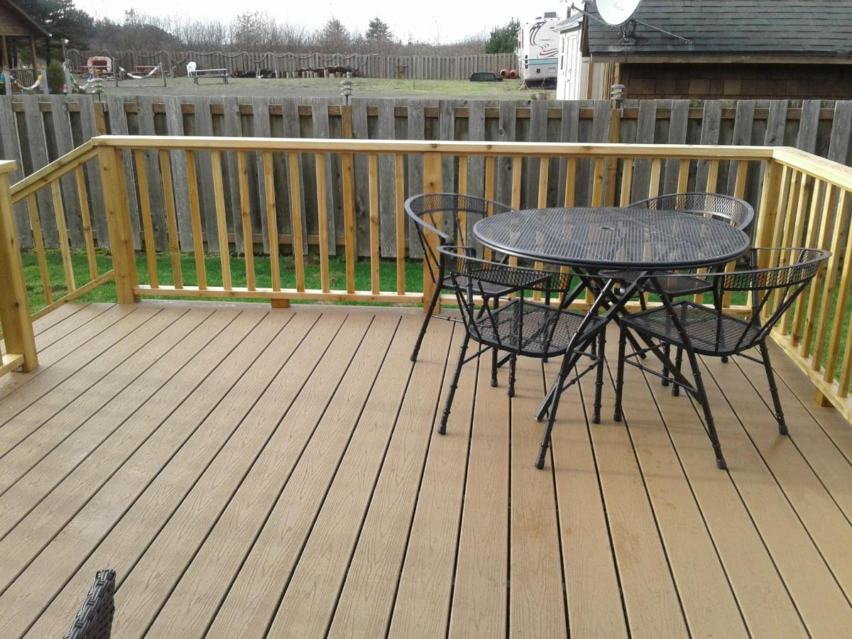 Bungalow 5 deck 4.jpg