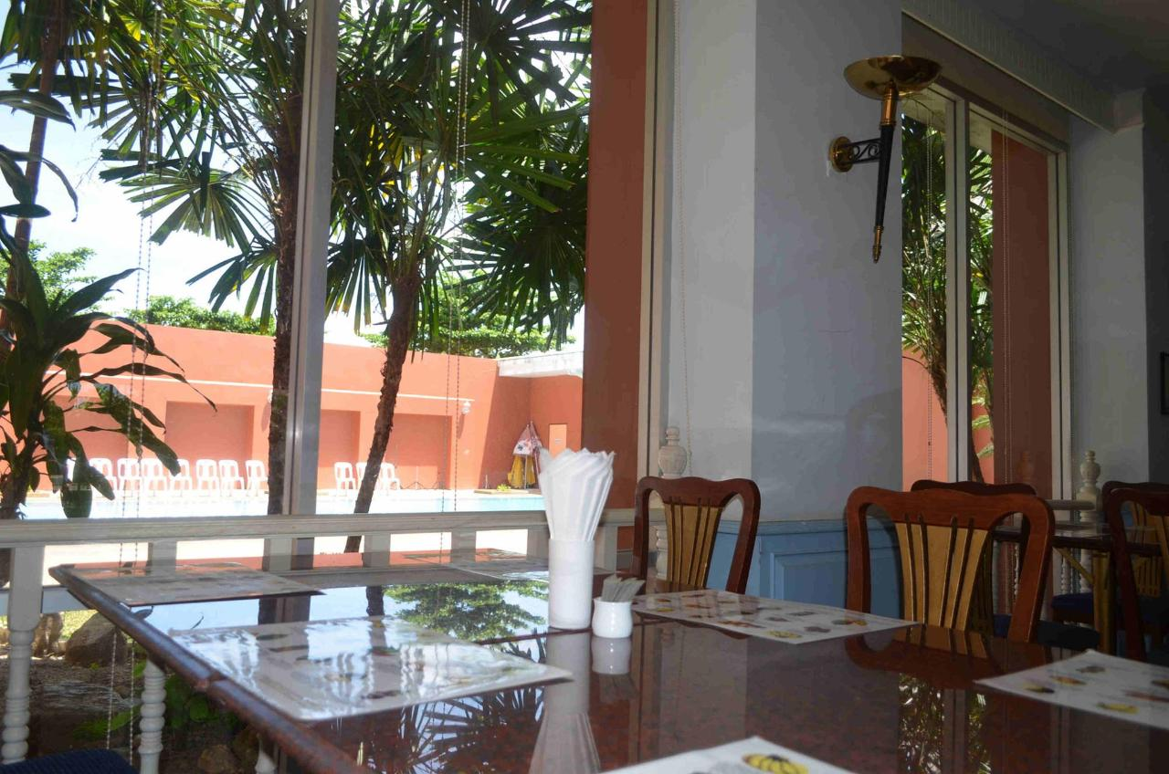ห้องอาหาร.jpg