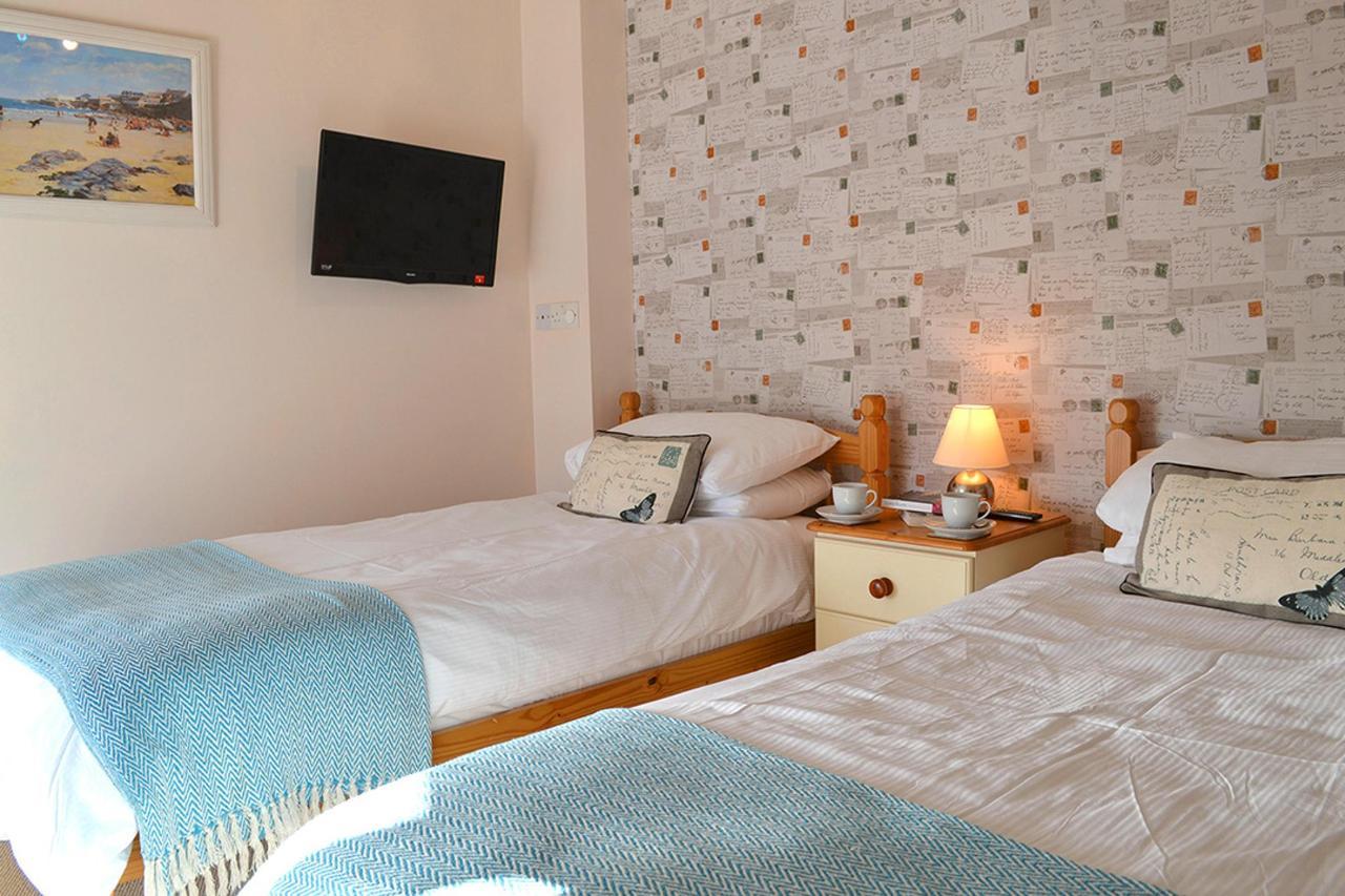 Primrose Bedroom 2.jpg