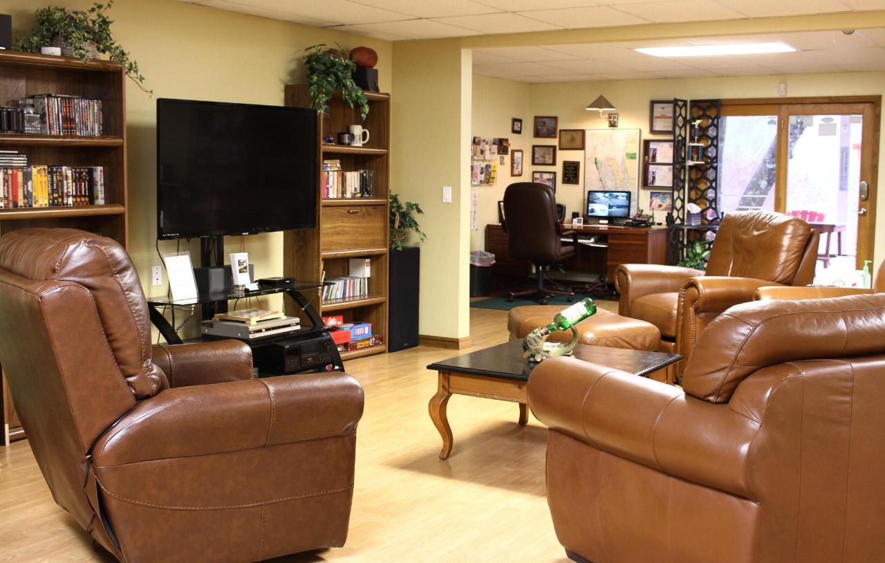Lounge in Lodge 2nd choice.JPG