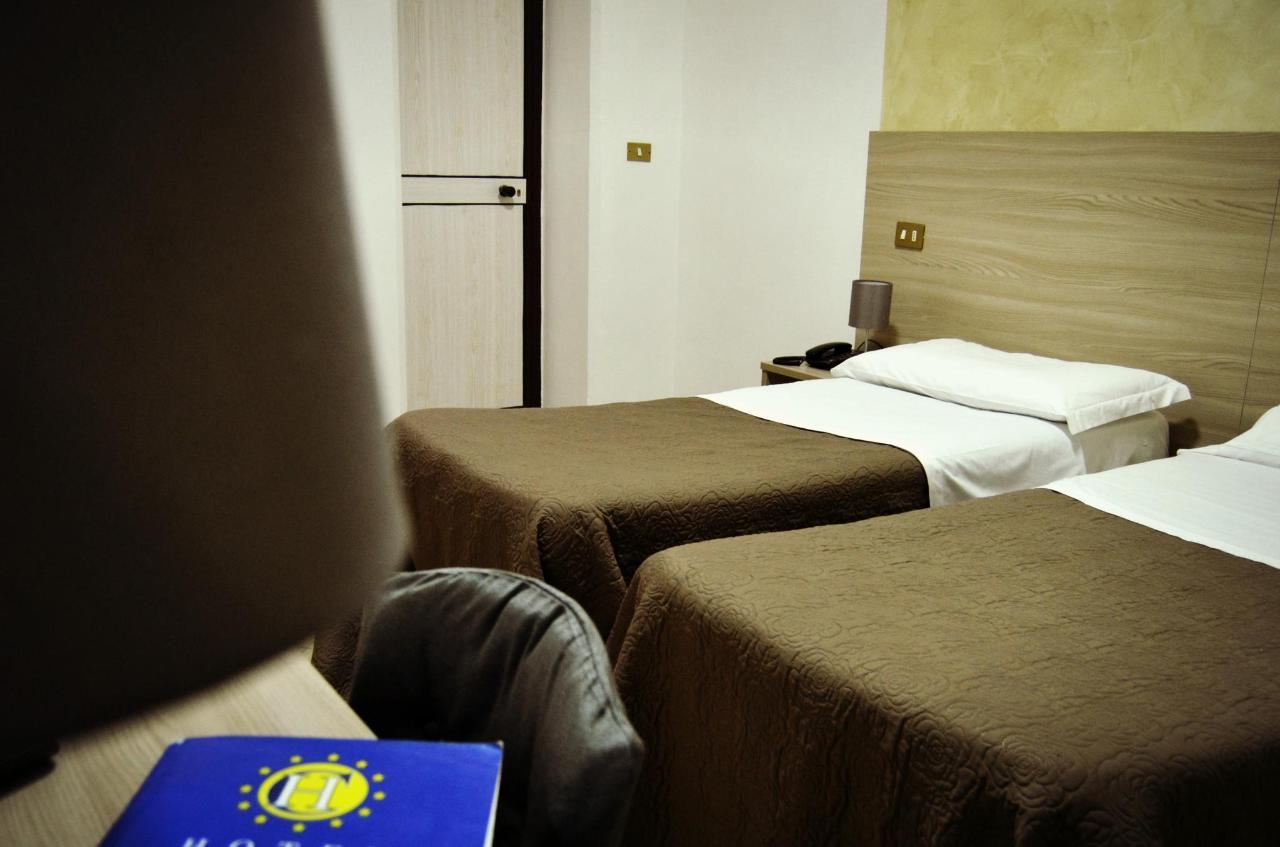 22gen19 Hotel (2) mod.jpg