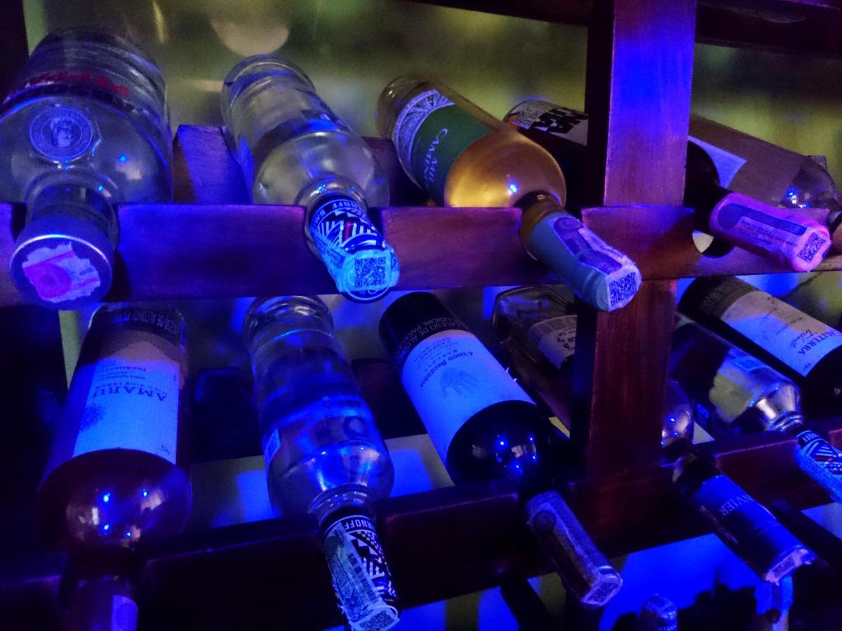 licores bar.jpg