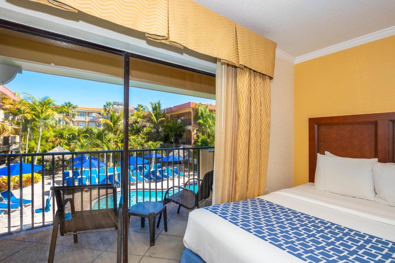 Pool View King Suite.jpg