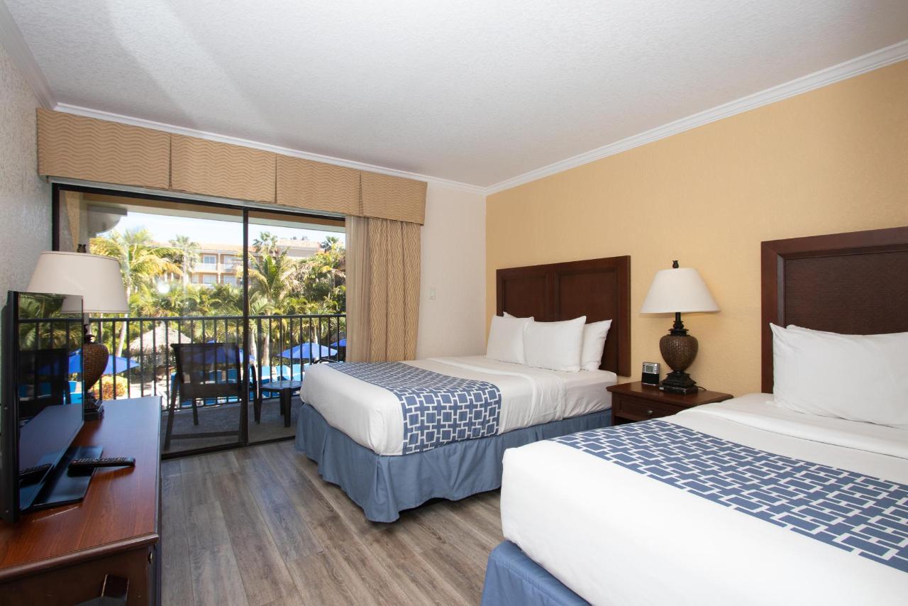 2 Queen Suite Pool View.jpg