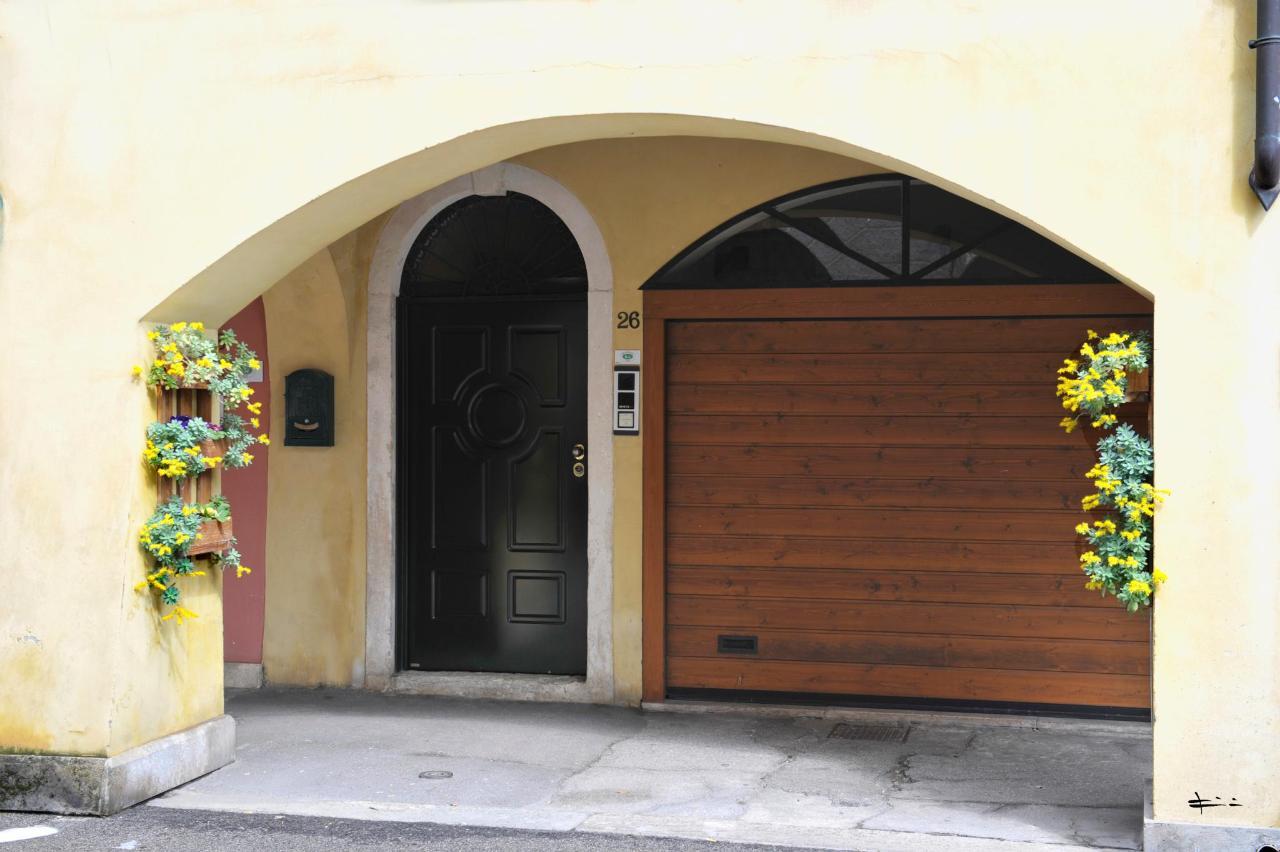 entrata con porta chiusa3.JPG