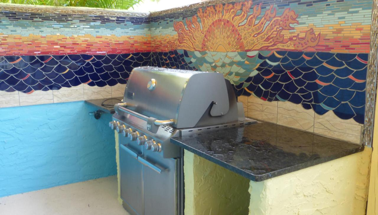 Siesta Sunset Royale barbecue.JPG
