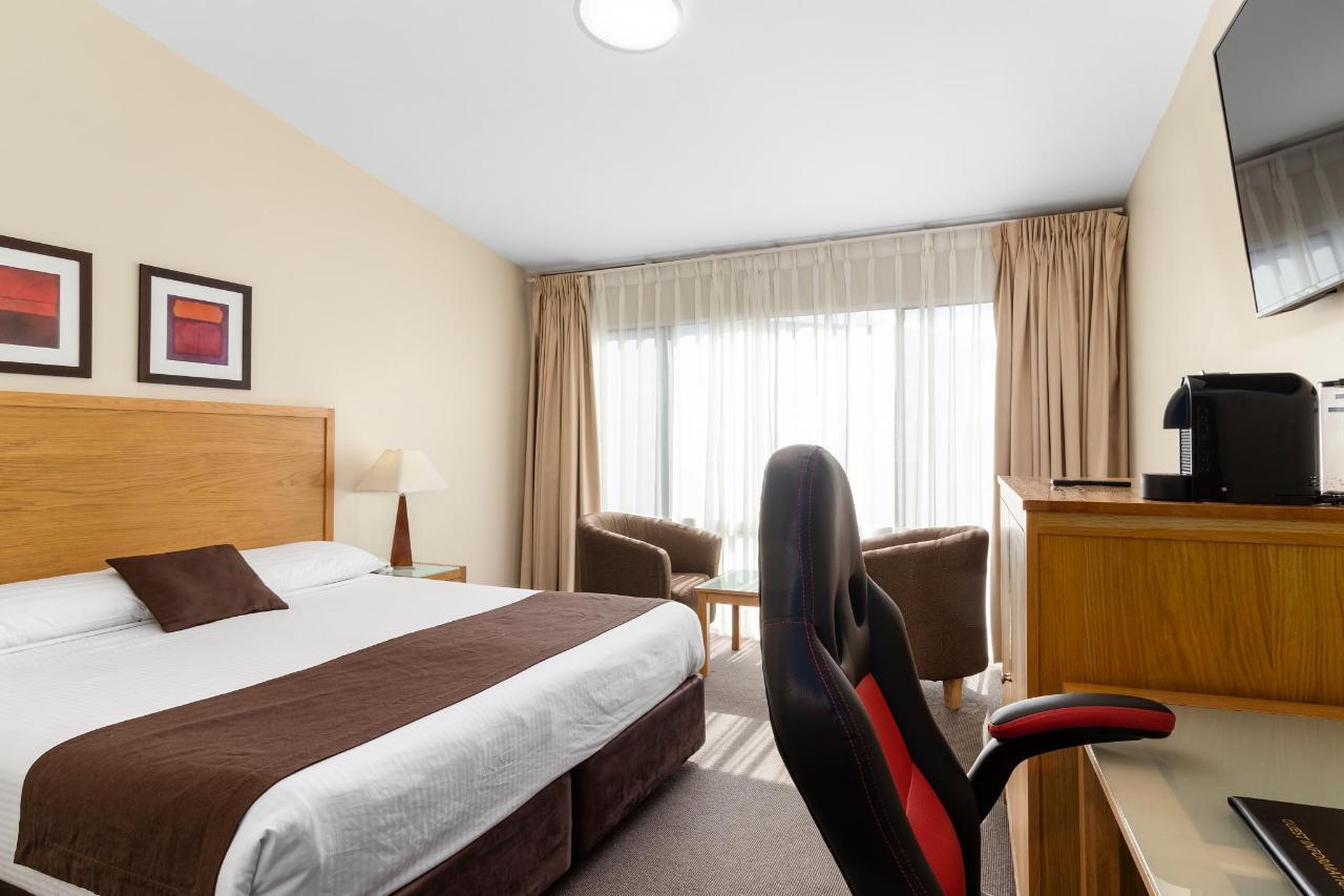 032_KDD Open2view_ID567181-AU762_Quality_Hotel_Bathurst.jpg
