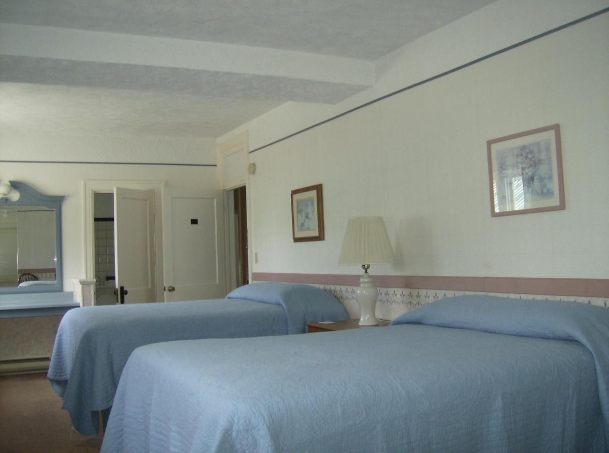 First Floor Suite 4.JPG