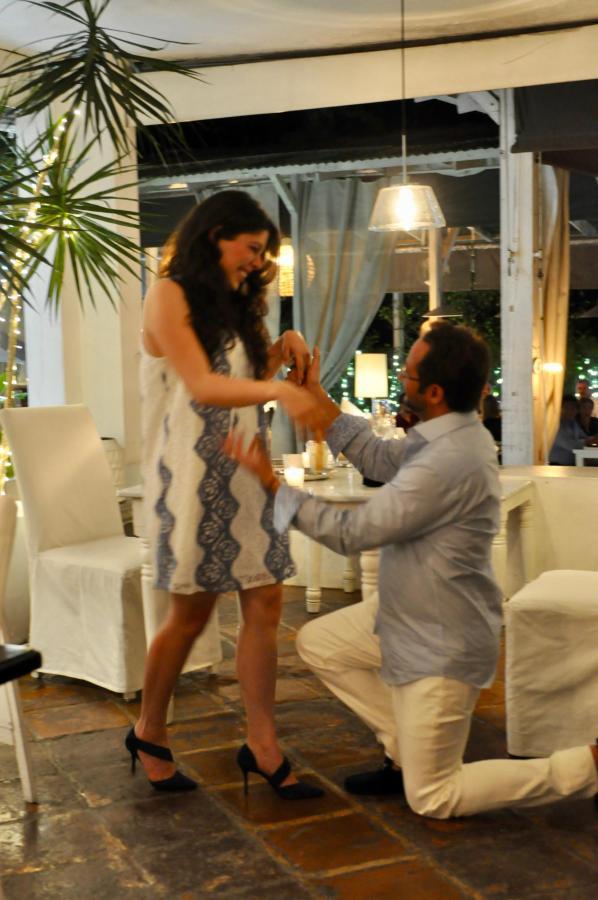 Propuesta de Matrimonio? Celebralo con una cena romántica en House Restaurante!