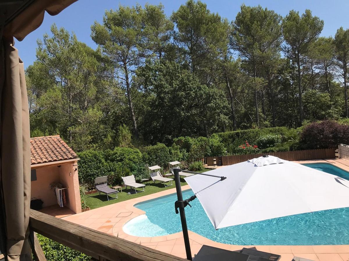 piscine, parasol, transats,  plage et pool.jpg
