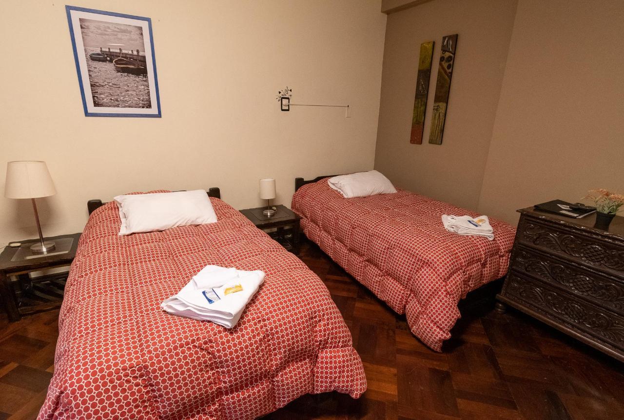 habitación doble en casa wayra.jpg