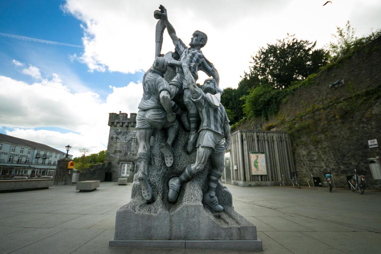 Hurling statue Canal Walk Kilkenny