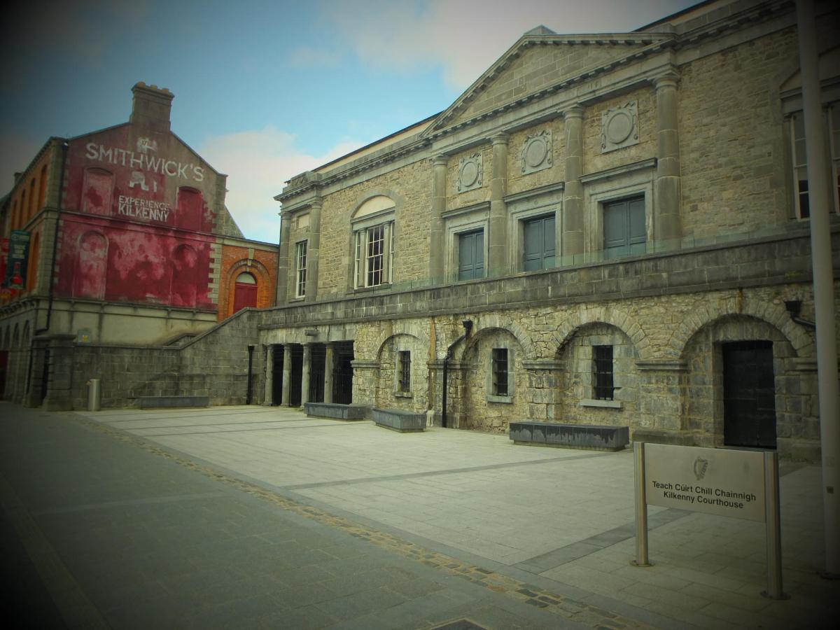 Kilkenny Court House Parliament street Kilkenny