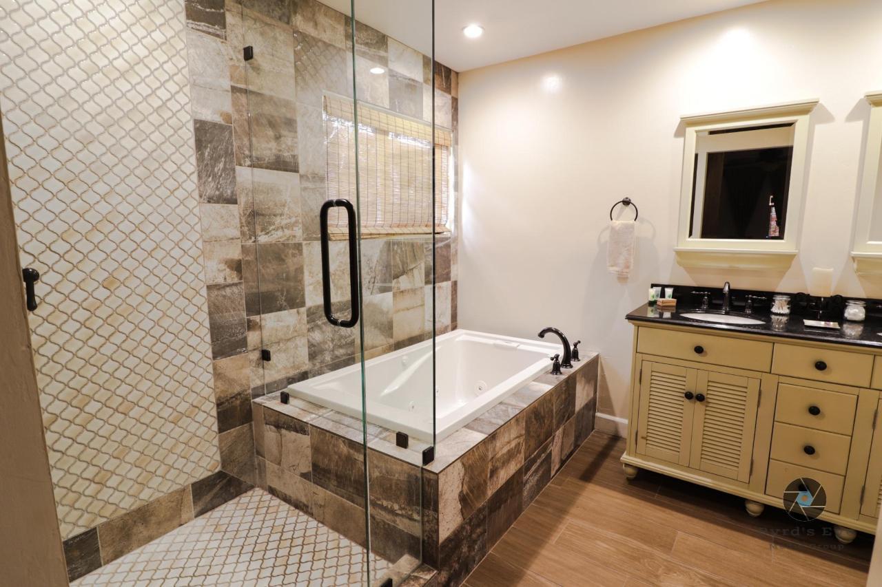 Hidden Haven Master Bathroom.jpg