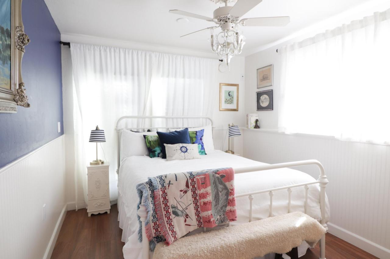 Le Petite Bedroom.jpg