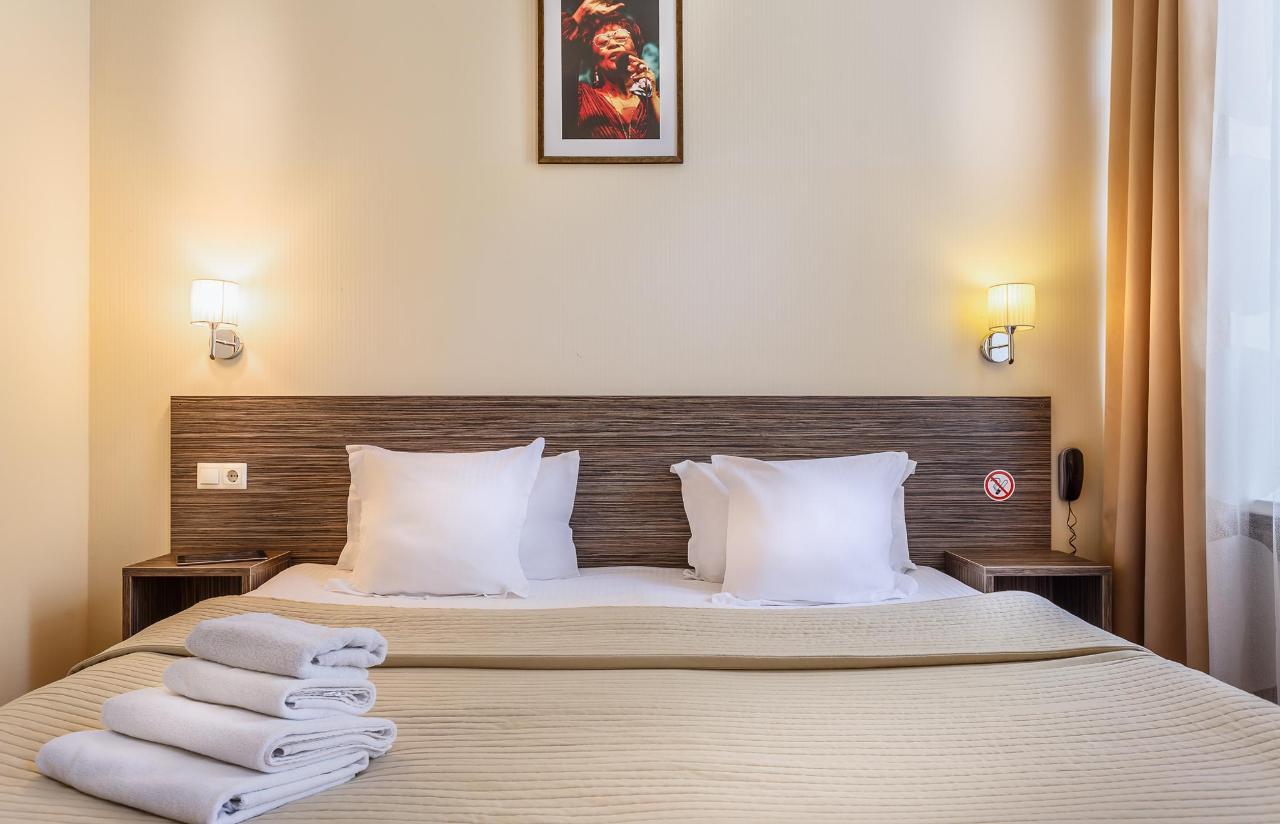 Комфорт кровать  в деятом номере.jpg