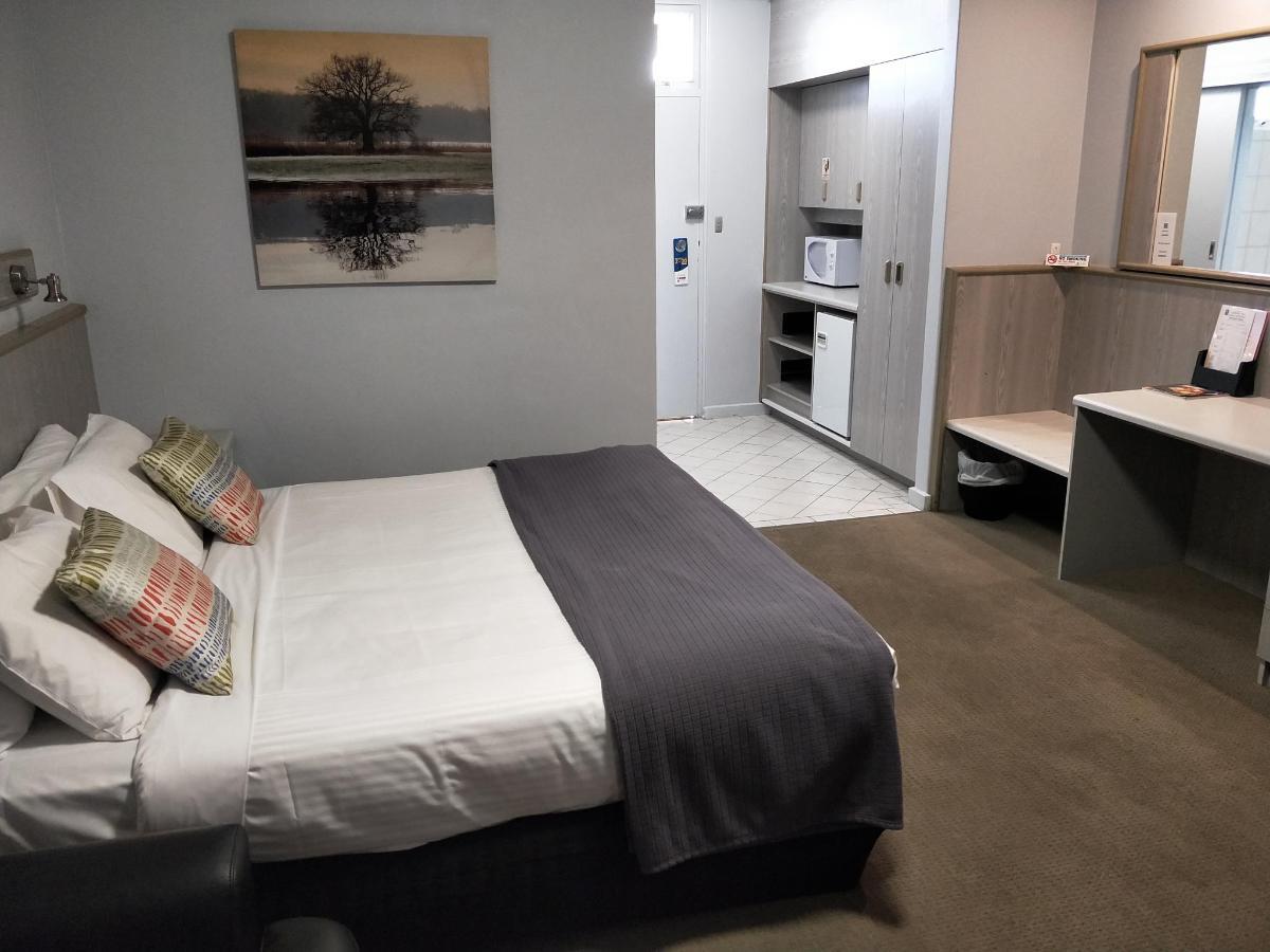 room 22 .jpg