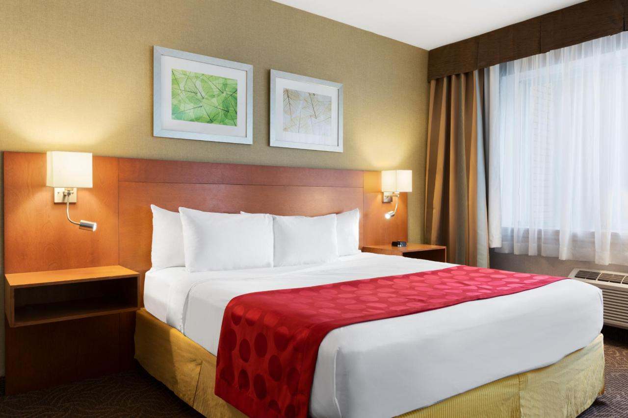 Ramada Montreal - 1 King Bed Suite - 1284128.jpg