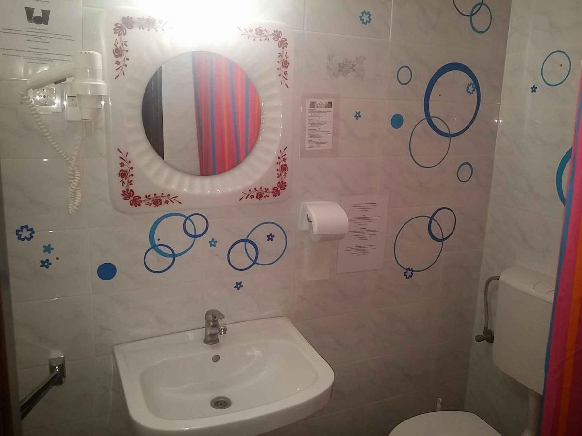 skupna kopalnica.jpg